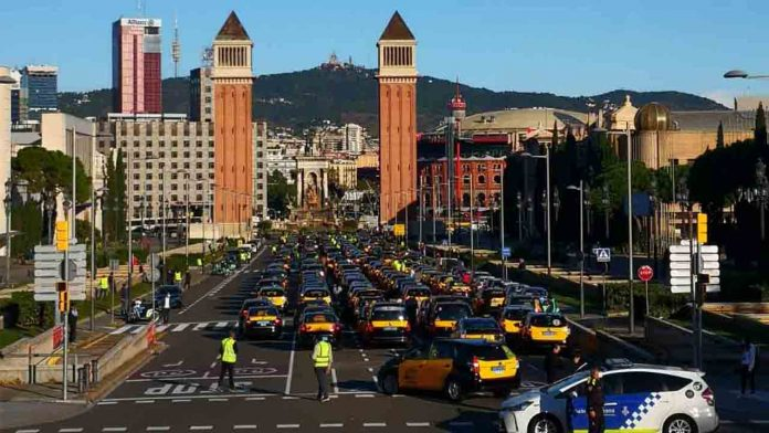 Continúan las movilizaciones del taxi hoy martes. Todos a las torres venecianas