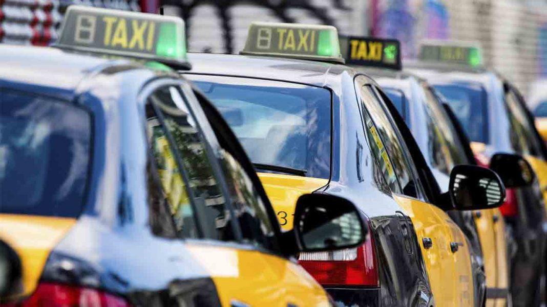 El taxi contra la plataformas que lo quieren derribar